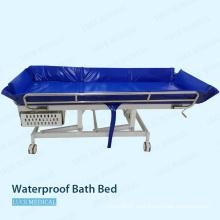 Uso hospitalario de cama de baño de plástico impermeable para pacientes