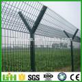 PVC-beschichteter Flughafenzaun / 2x2 Galvanisierter geschweißter Drahtgitter für Zaun