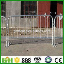 Hot Sale Customized Size Galvanized stainless steel construction barricades/used crowd control barriers