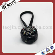Clous magnétiques en rideau noir avec fleur décoratif en diamant pour rideau décoratif