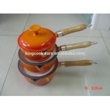 Deutsche Gusseisen-Email-Milchkanne Soße Pfanne / Gusseisen-Kochgeschirr mit Holzgriff