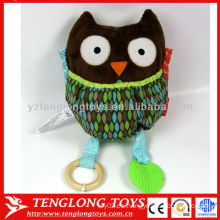 Los juguetes coloridos de la felpa del sonido del buho de la venta del regalo caliente del bebé