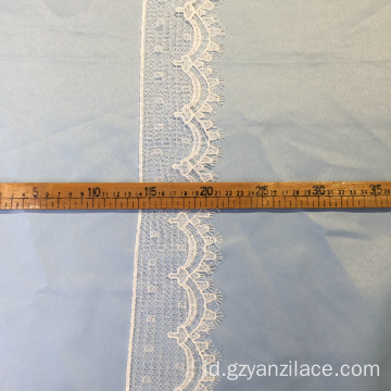 White Ribbon Bulk Lace Trim oleh Yard