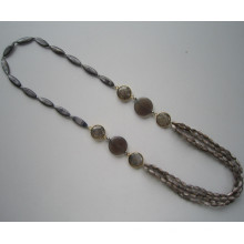 Collier de perles coquillages multi Stands