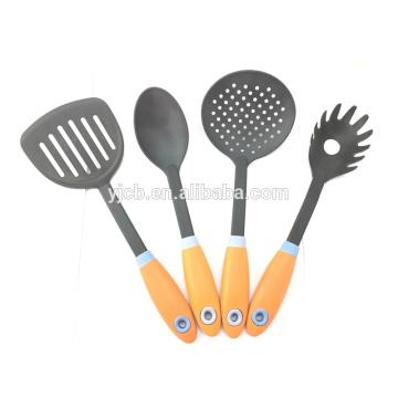 Set de cuisine en nylon 4pcs Spatula Spoon Cookware Set