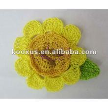 Ручной цветок вязания крючком моды цветок