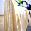 Manta de lana de coral teñida de terciopelo con granos de maíz jacquard