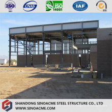 Edificio moderno de exposiciones de estructuras de acero con galería