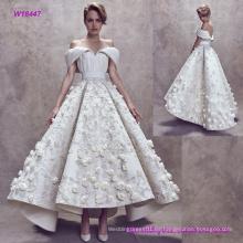 Nuevo estilo moderno pliegues de hombro sin respaldo vestido de novia con flores 3D y Flare Ten Length Skirt