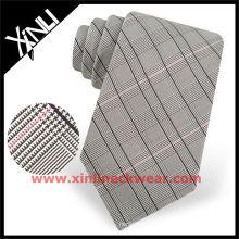 Corbata tejida seda marrón del lazo de los hombres de la tela escocesa