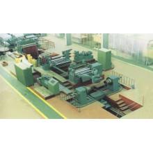 bobine de tôle d'acier coupé à la longueur de la ligne dans des machines de découpage en métal