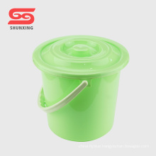 Durable household cleaning 12L bucket plastic with lid