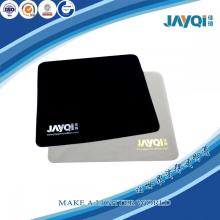 Paño de limpieza de microfibra con logotipo plateado