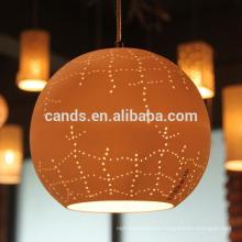 Lámpara colgante moderna con diseño de techo claro