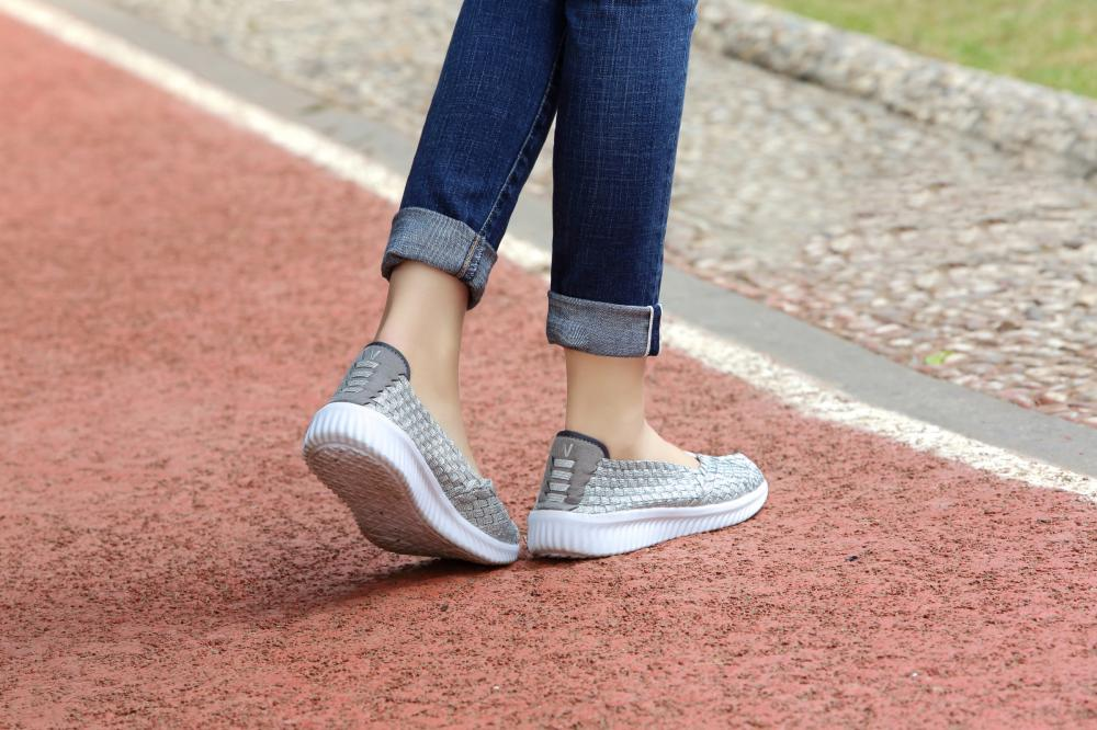Humanized Heel Design Woven Pumps