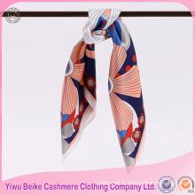 Écharpe en soie faite sur commande d'impression de Digital d'approvisionnement d'usine avec beaucoup de couleurs