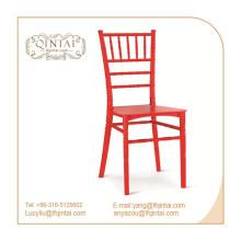 Weißer Stuhl aus leichtem Chiavari-Bambus-Kunststoff