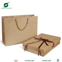 Bolsa de papel marrón con logotipo personalizado