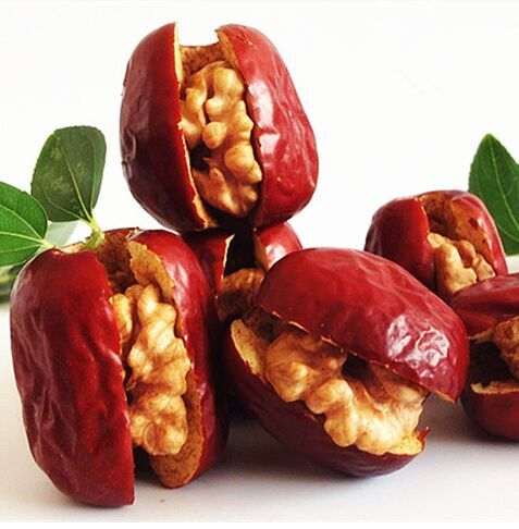 Red Date With Walnut