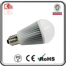O lúmen alto ilumina o bulbo do diodo emissor de luz E26