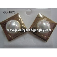 square golden color shell pearl earrings