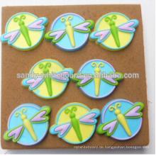 Farbe Libelle Plastikstift Kork Bord gewidmet Stifte