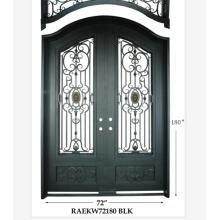 Двери из кованого железа с двойным входом на современном заводе
