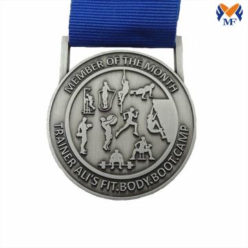 Silbergeprägte Medaille für Sportmitglieder