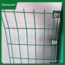 factory direct sale white pvc coated welded wire mesh fence