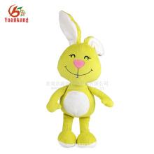 Orelhas longas recheadas brinquedo coelho de pelúcia com rosto sorriso