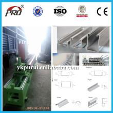 Machine de fabrication de quilles en acier léger de haute qualité