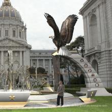 Großer Garten Outdoor-Dekorationen Metall-Handwerk Statuen von Adlern