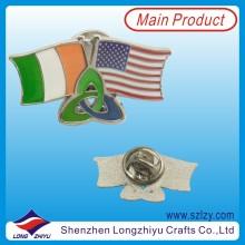 Amistad país cruzado bandera esmalte duro insignia (LZY-10000126)