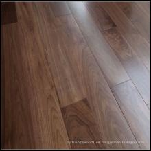 Suelo de madera maciza de nogal americano