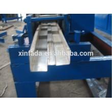 Metal de alta velocidade da porta Frame que dá forma à máquina com a estação do furo do fechamento