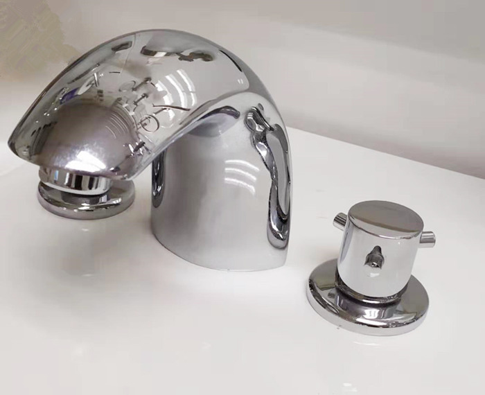 chrome faucet for basin
