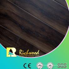 Revestimento de madeira laminado em relevo com sulco em U