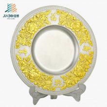 Китай подарок Промотирования 22см пользовательские металлический логотип Сувенирная тарелка с держателем