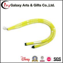 Cordones tubulares amarillas con gancho de Metal