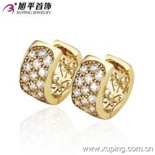 Pendiente de aro de cristal con encanto chapado en oro 14k de la nueva moda