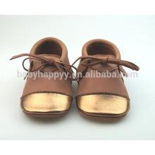 Nuevos zapatos de cuero del bebé de los zapatos ocasionales del diseño MOQ300