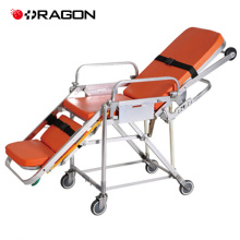Chariot de secours d'urgence de matériel médical de civière d'urgence dans l'ambulance