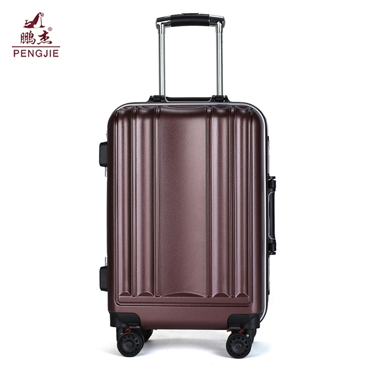 cheap-lightweight-suitcase-sale-in-case-luggage