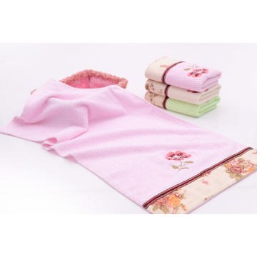 Floral Towels dengan Beautiful Applique