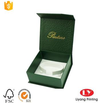 Жесткая картонная коробка с c-зажим для браслет