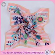 Excellente qualité faite à la main peinture à la mode Lady foulard en soie
