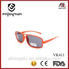 Модные популярные солнцезащитные очки для детей смешанный цвет фарфор оптом