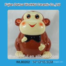 Frasco de biscoito cerâmico bonito com projeto engraçado do macaco
