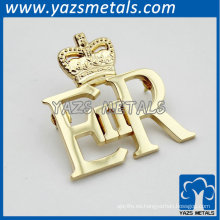 corona en forma de oro de color hueco insignias