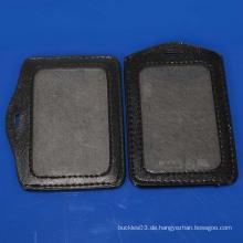 Hochwertiger Leder-Abzeichenhalter von Schule & Fabrik